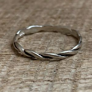 Avon 925 Sterling Silver Woven Ring